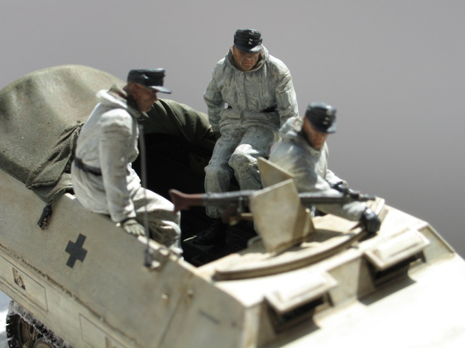 Sd.Kfz 251/1 Ausf.D Dragon 1/35 120524044807667019894648