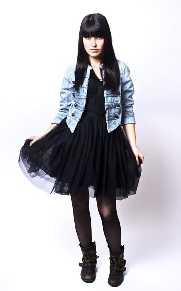 site de fan de la chanteuse marie france mademoiselle nineteen le 12 juin 2012 a l. Black Bedroom Furniture Sets. Home Design Ideas