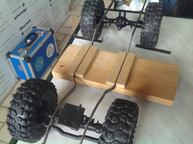 [Losi Mini Rock Crawler] Toyota Hilux, ponts Losi Mini Rock Crawler 1206240721362281110023426