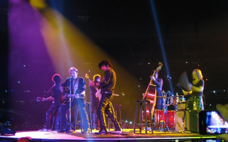 """YAROL POUPAUD parle du """"TOUR 2012"""" de JOHNNY HALLYDAY (sur Radio Campus le 22 février 2012) 12062810151714236110041696"""
