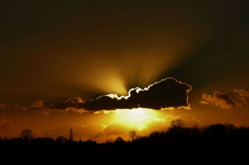 les plus belle photos de couchers de soleil - Page 4 12070603060311448110068955