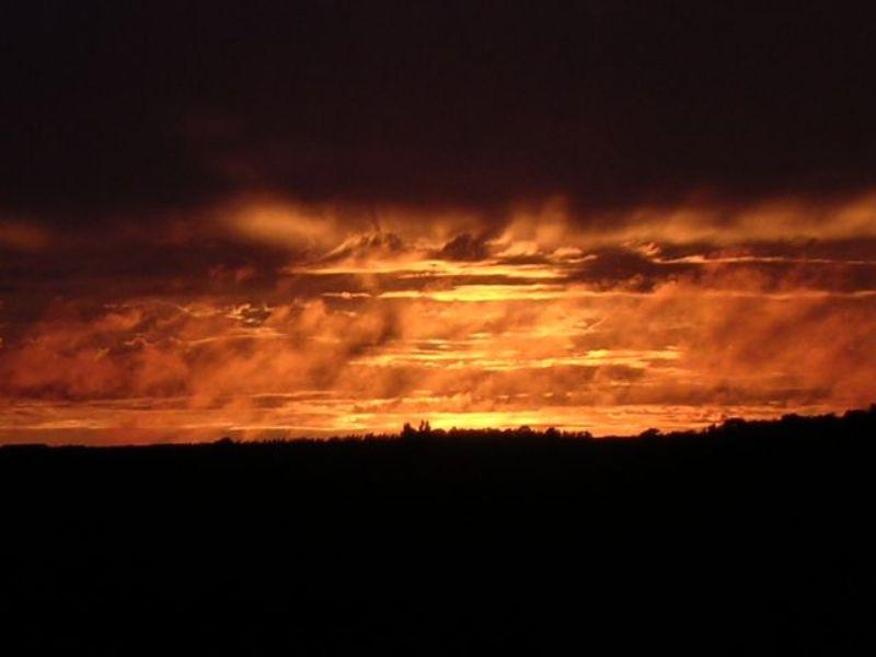 les plus belle photos de couchers de soleil - Page 4 12070603060411448110068959