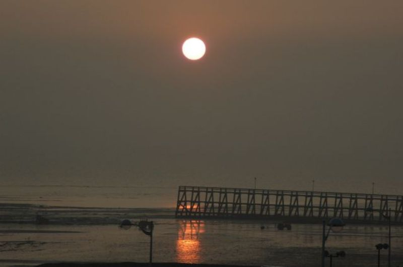 les plus belle photos de couchers de soleil - Page 4 12070603060511448110068966