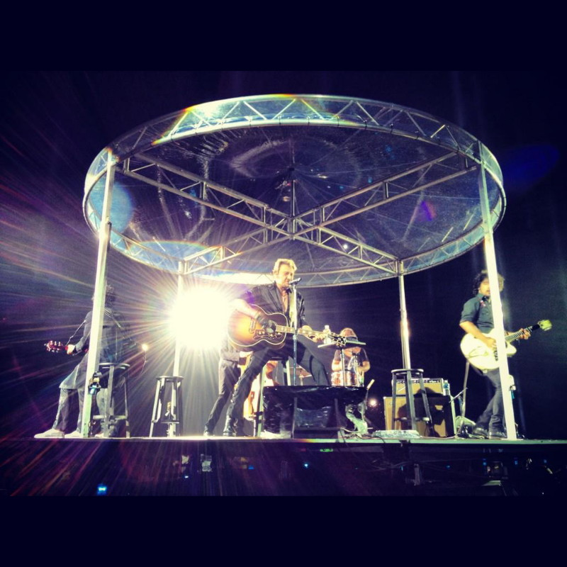 """YAROL POUPAUD parle du """"TOUR 2012"""" de JOHNNY HALLYDAY (sur Radio Campus le 22 février 2012) 12070808564514236110074536"""