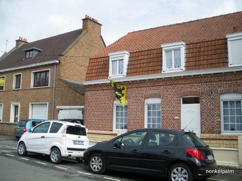 De Vlaamse vlag op onze huizen hangen 12070911073014196110082402