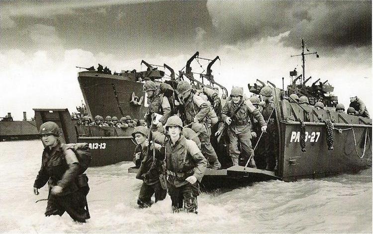 Les Images de la Seconde Guerre Mondiale - Page 17 1207150546013523010106602