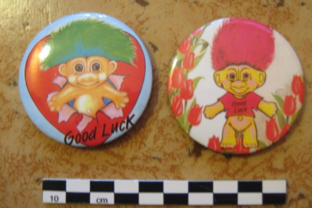Pins, broches et badges trolls (Made In China-sans marque) 12072509043415254110142091