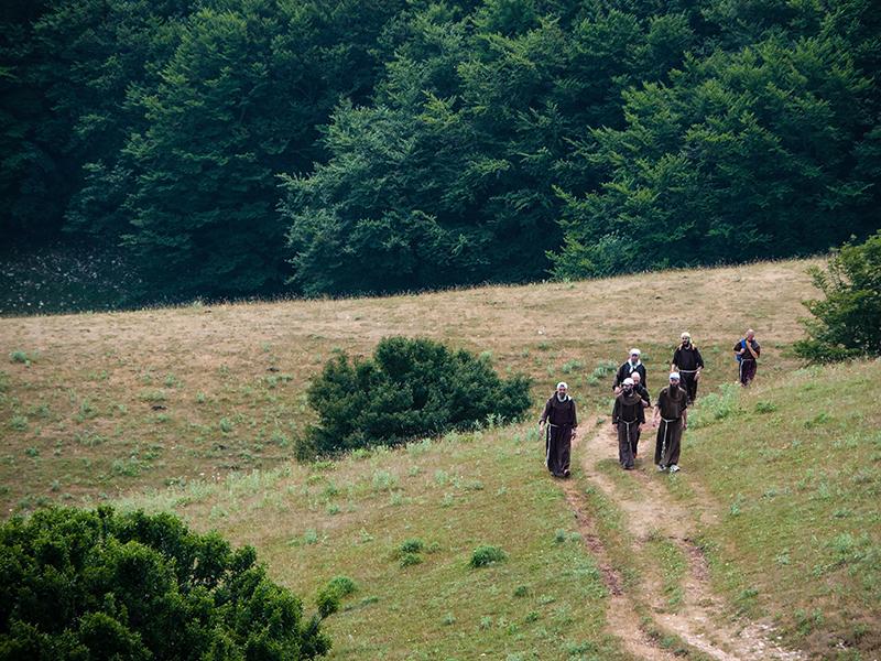 Les pèlerins du Mont Subasio 12081303073814335310204893