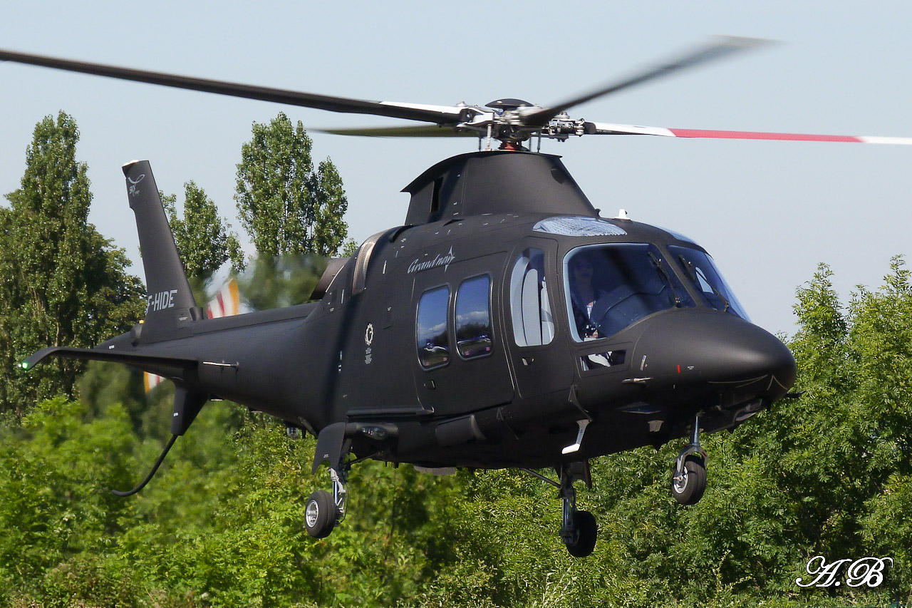 [29/07 - 16/08/2012] : Annemasse, Courchevel, Annecy, Chamonix... : Hélicos et avions dans les Alpes , le retour! 12082808215815267110256089