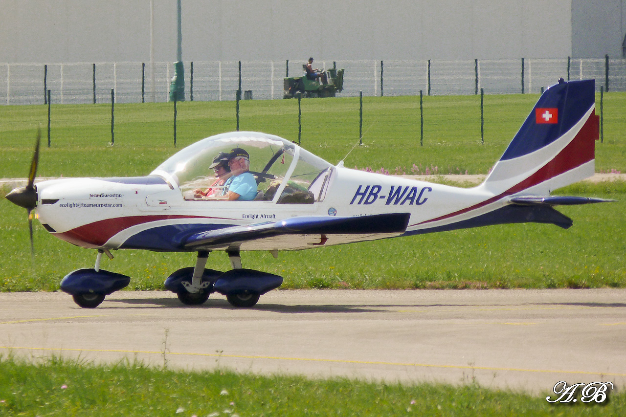 [29/07 - 16/08/2012] : Annemasse, Courchevel, Annecy, Chamonix... : Hélicos et avions dans les Alpes , le retour! 12082912264015267110256949