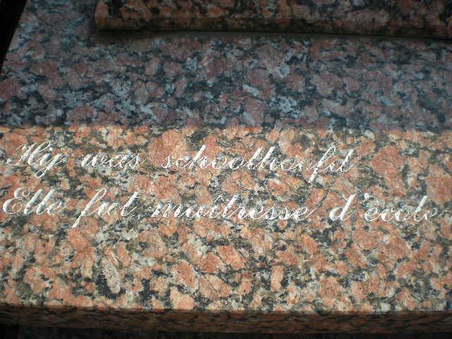 Frans-Vlaamse en oude Standaardnederlandse teksten en inscripties - Pagina 6 12090508190014196110287086