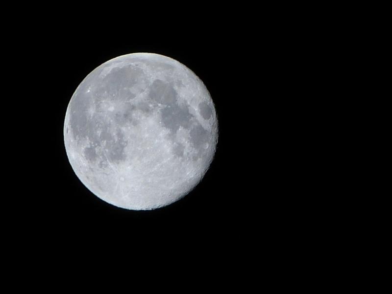 Test du FZ150 sur la Lune 12090512502415449510284091