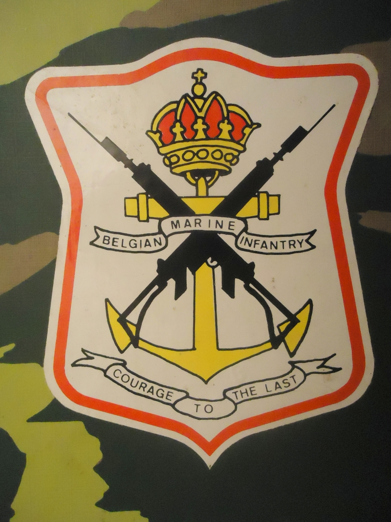 L'insigne de fusilier marin  12090912510715458210297076