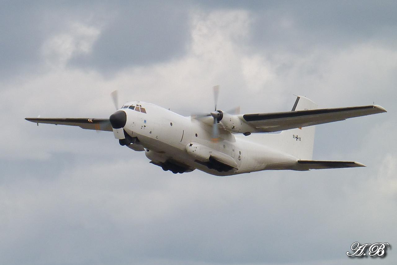 "[12/09/2012] Transall C160 (51+15) German Air Force : livrée ""Albinos"" 12091302073915267110312404"