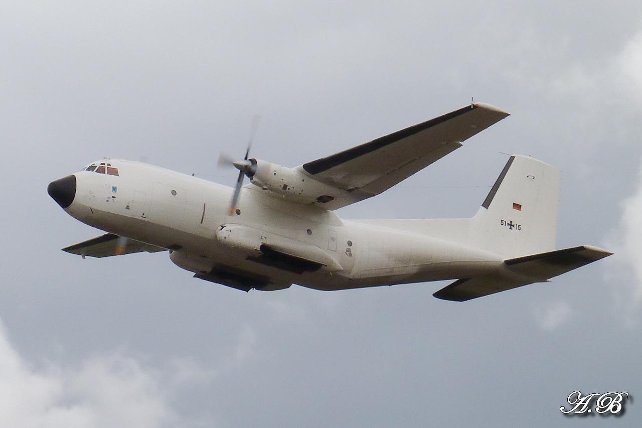 "[12/09/2012] Transall C160 (51+15) German Air Force : livrée ""Albinos"" 12091302074015267110312405"