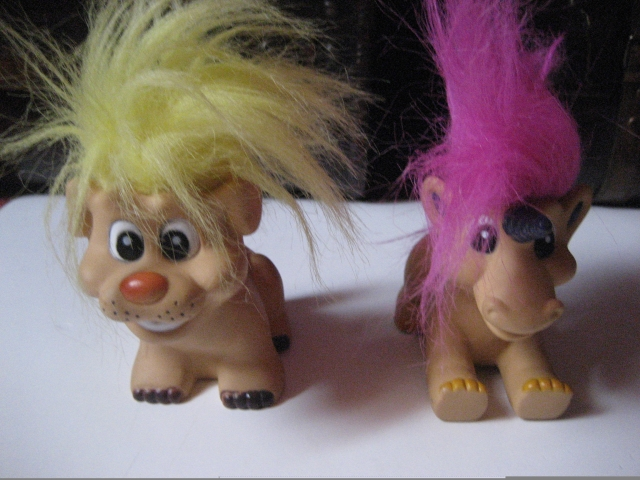 Trolls Dinosaures  12092804441915254110371675