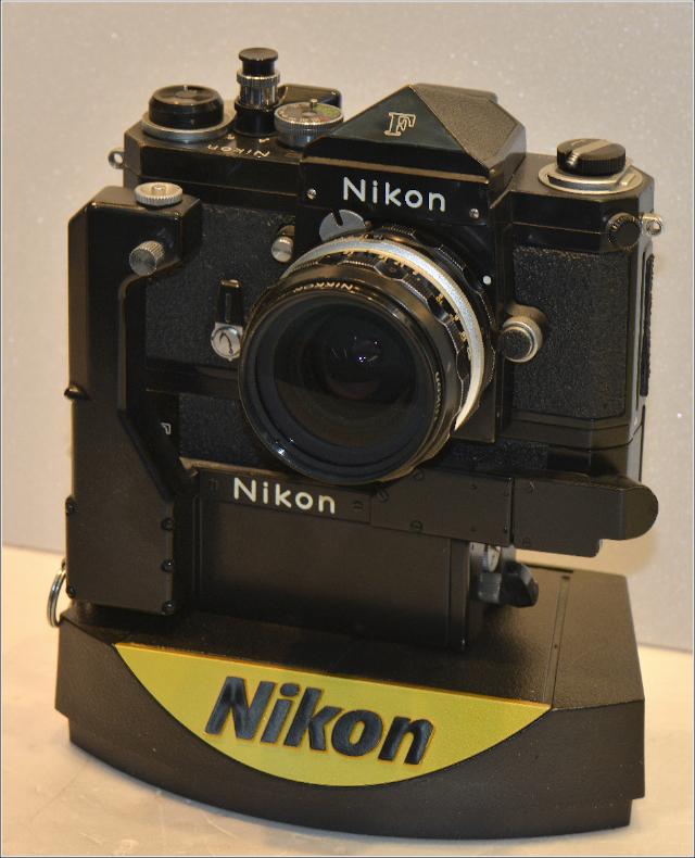 Nikon F+Mot:002