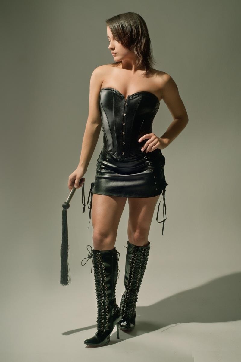 Holly Halston Latex inside natacha stivesky boronov, / model pictures, mannequin, cover-girl