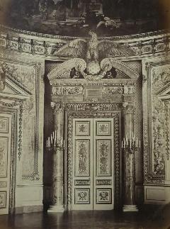 Richebourg 30 - Pierre Ambroise Richebourg Porte Salle du Trone Sénat (1)