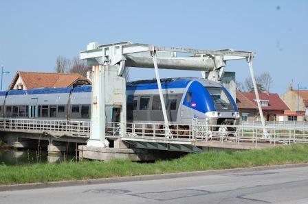 Spoorlijn Duinkerke-Calais 12102612415914196110480088